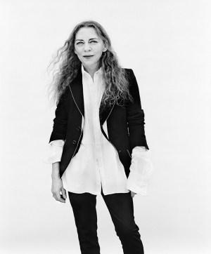 Ann Demeleumeester juoda spalva — ne tik poetams